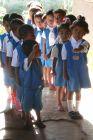 Moni - dzieci w szkole