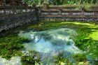 Świątynia Tirta Empul ze świętym źródłem