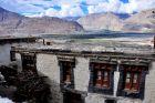 Indie, Diskit, klasztor