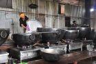 W tych garach powstaje 60 tysięcy posiłków dziennie