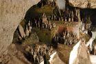 Świątynia Pak Ou z mnóstwem posągów Buddy