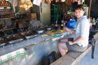 2012, Filipiny, Siquijor, uliczne sniadanko.