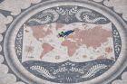 2011, Lizbona, Mapa świata i gdzies tam Ania:)