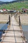 Wiszący most gdzieś po drodze...